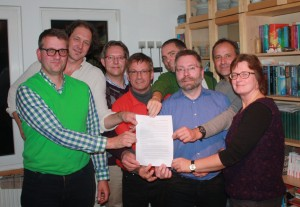 Die Gründung Frederick Lüke, Luka Schütte, Christian Burkert, Matthias Schmitt, Uli Mertens, Johannes Menze, Andreas Moese, Norika Creuzmann